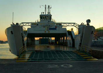 Ultracomp Bearings Give Smooth Dockside Operation