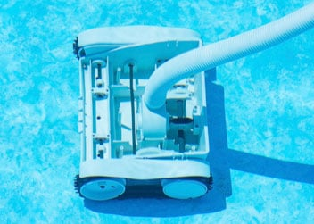 Rulon W2 Sparkles in Automatic Pool Cleaning Application